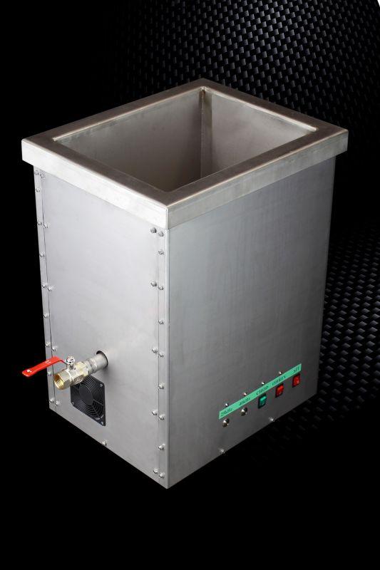 Průmyslová profesionální dvoufrekvenční ultrazvuková čistička A80, vana 80 litrů USTAD